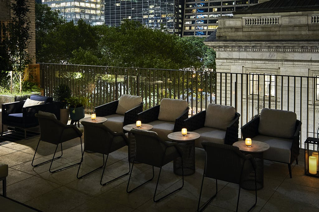 Hotel Rooftop Bar Midtown